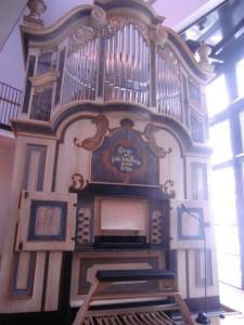 CIMG1246 HALLE-Mauer organ at HandelHaus