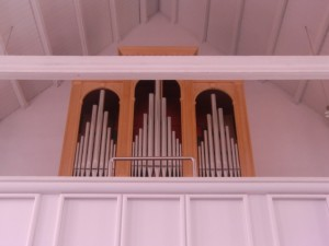 CIMG1422-small organ in the Marienkirche in the Naumburger Dom (unofficial stop)